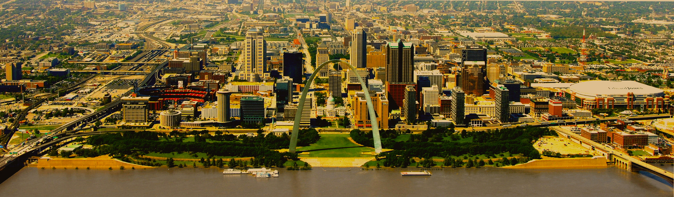 An image of the St. Louis city skyline.